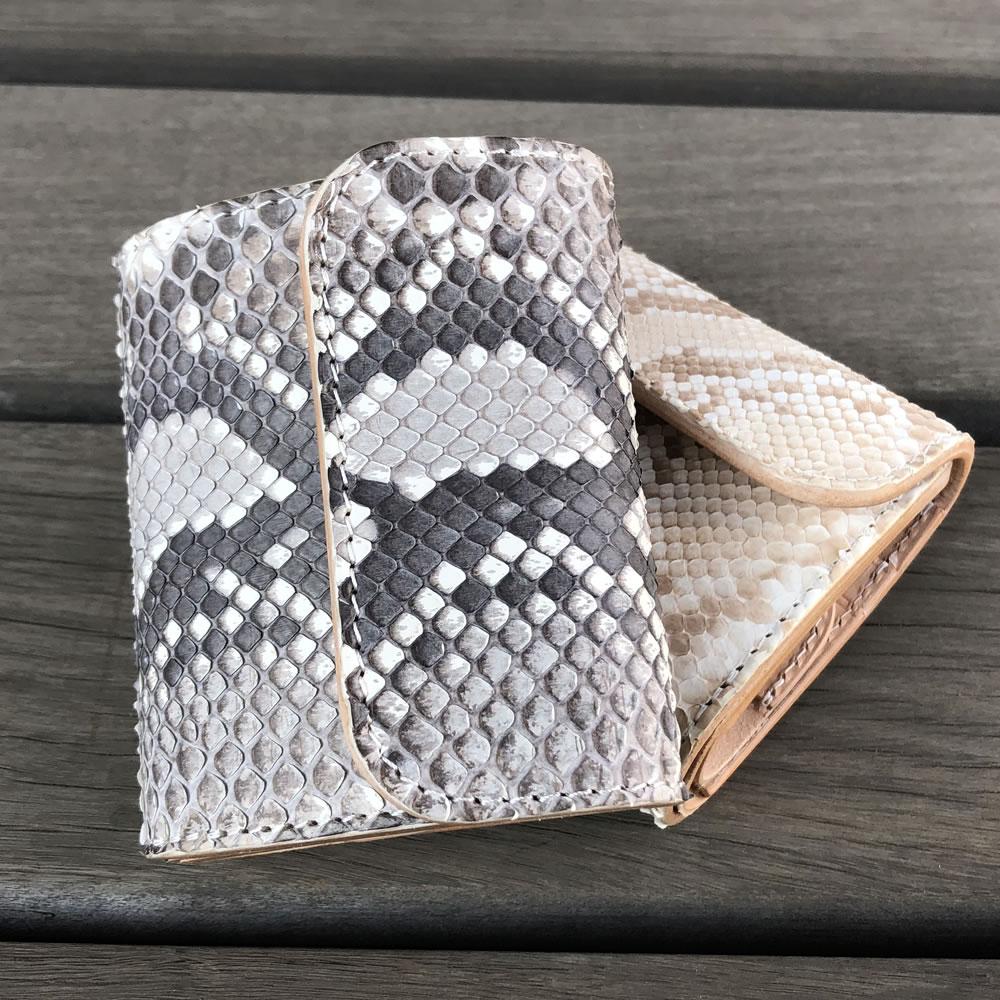 財布 コンパクト ミニウォレット 日本なめしの本革パイソン&イタリアンレザー 生成りのヌメ革使用 日本製 CW001-NA LEVEL7