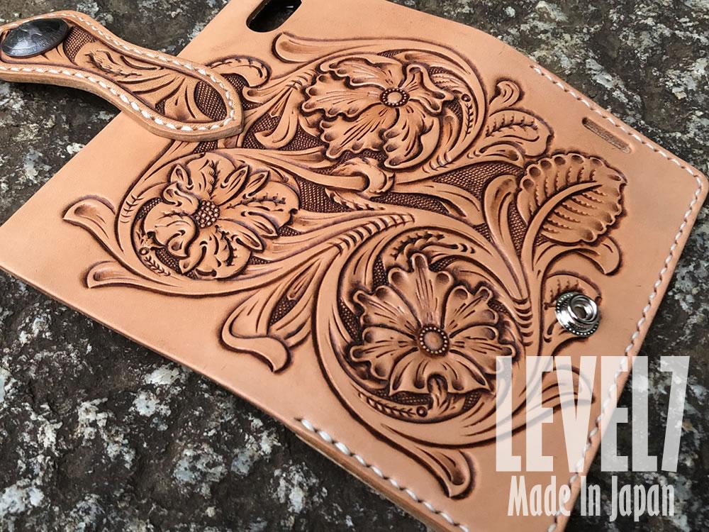iPhone各種対応 手縫い レザー シェリダンスタイル/フラワーカービング ハンドメイド ハーマンオークレザー使用 LEVEL7
